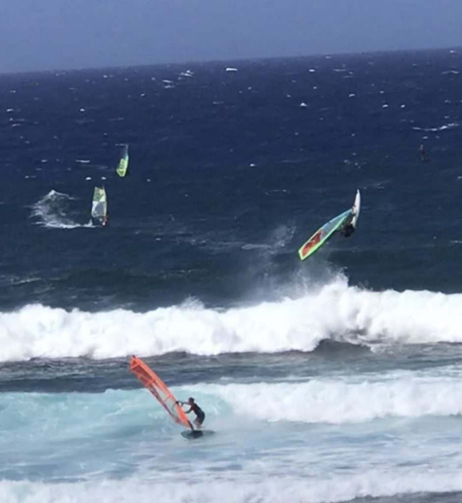 what_to_do_in_Maui_surfing