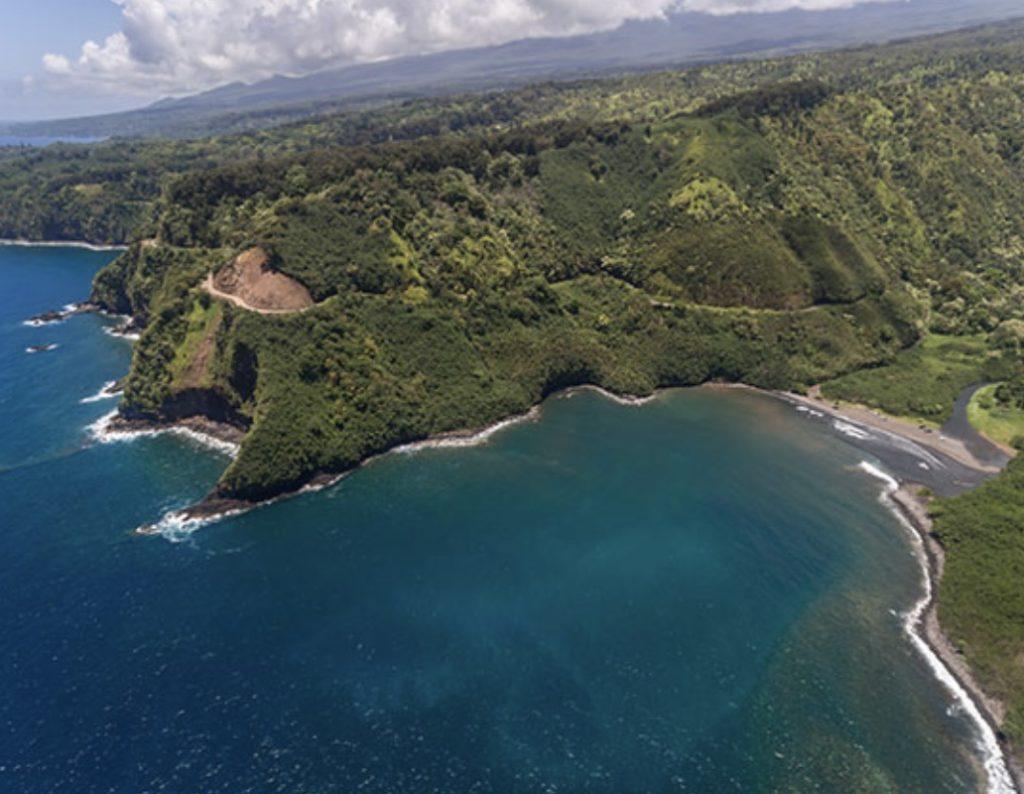 jeep_life_on_Maui_road_to_hana